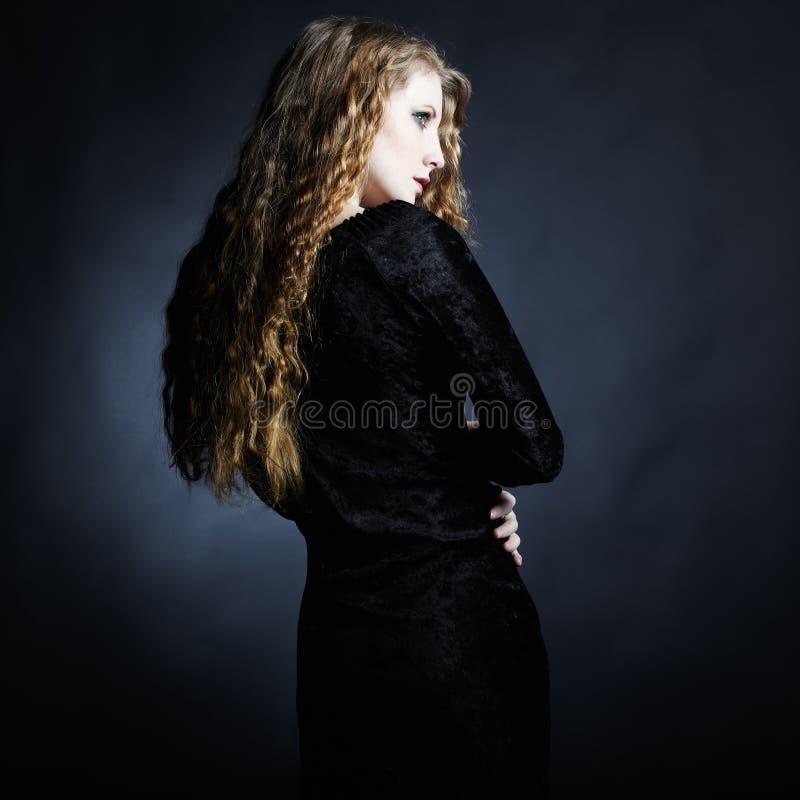 Art und Weisefoto der jungen Dame lizenzfreies stockfoto