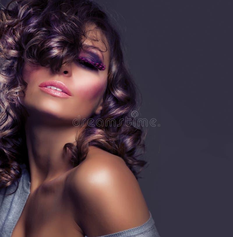 Art- und Weiseschönheits-Portrait lizenzfreies stockbild
