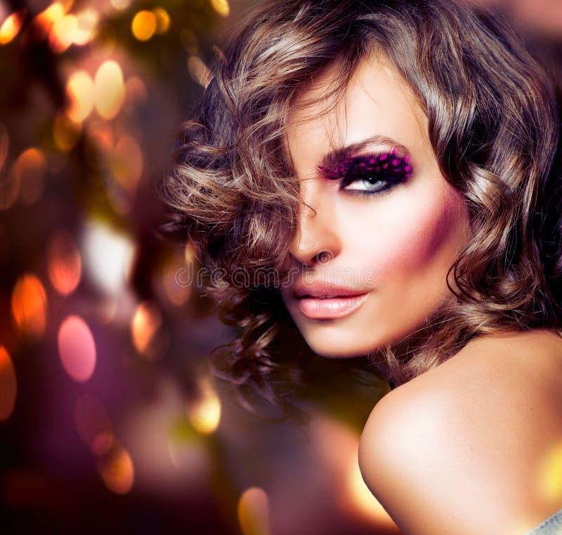 Art- und Weiseschönheits-Portrait lizenzfreies stockfoto