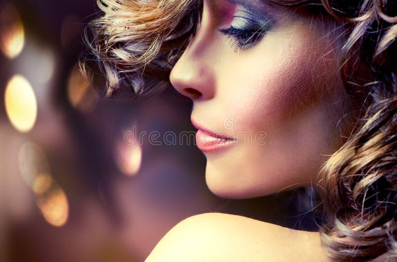 Art- und Weiseschönheits-Portrait stockfotografie