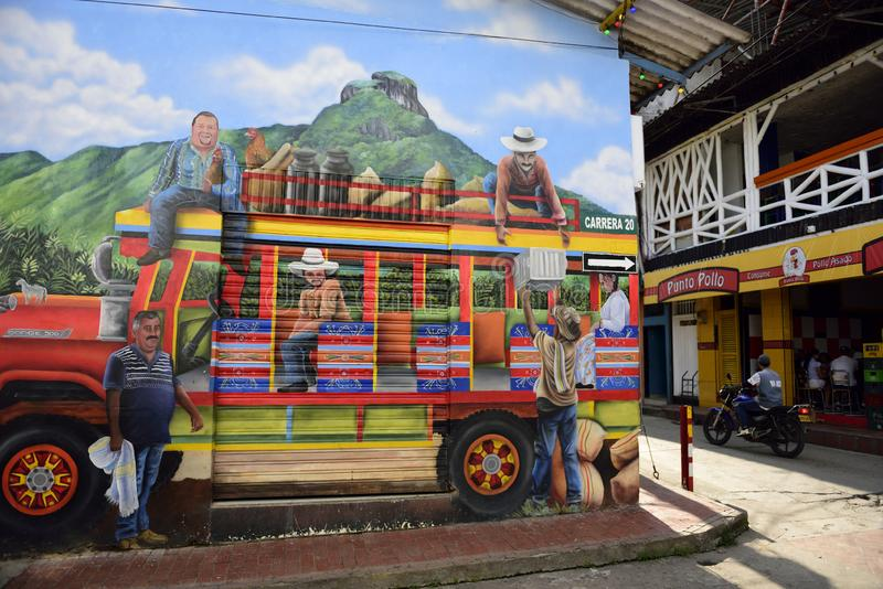 Art urbain coloré de rue, autobus de Chiva et personnes colombiennes photographie stock libre de droits