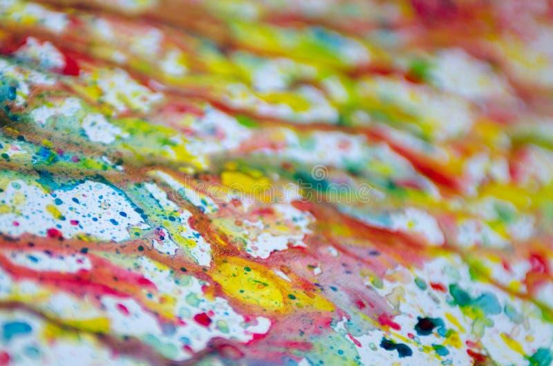Arte abstrato do respingo colorido brilhante vívido e das gotas da aquarela no Livro Branco fotografia de stock