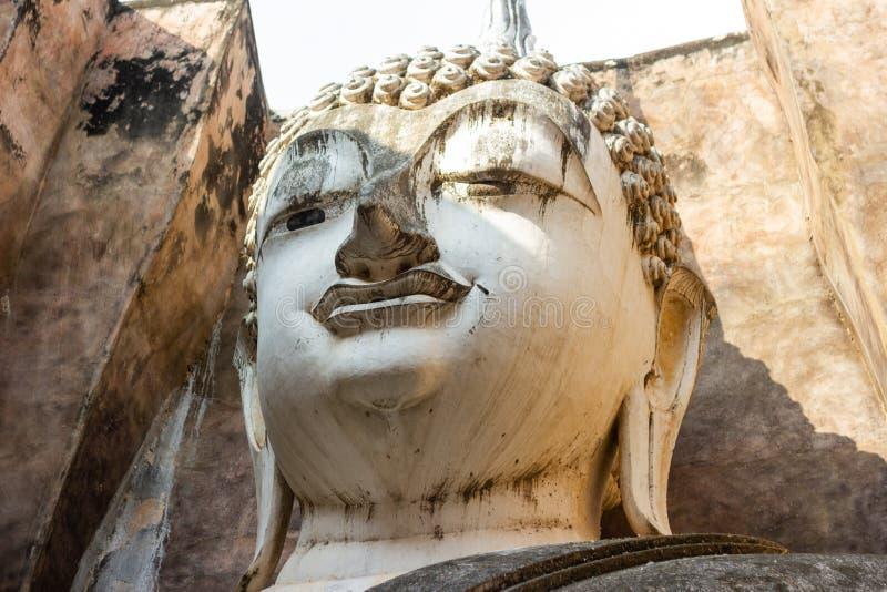 Arte antiquado a cabeça da estátua da Buda fotos de stock