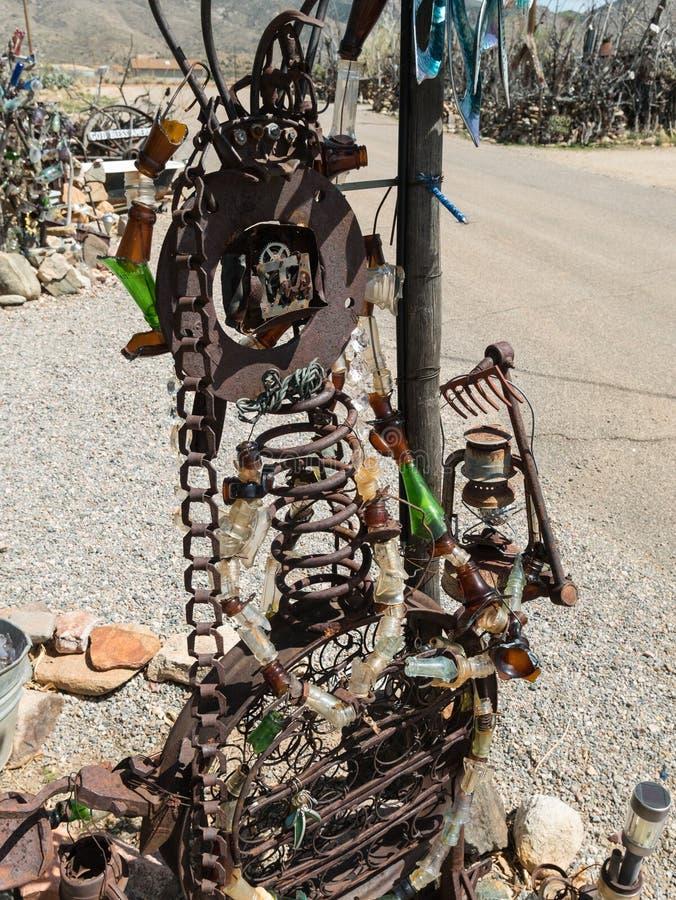 Arte bizzarra dell'iarda del deserto di sud-ovest immagine stock libera da diritti