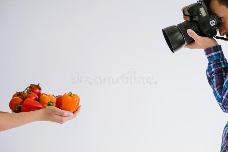 Arte criativa do estúdio da foto do estilista da fotografia do alimento imagem de stock