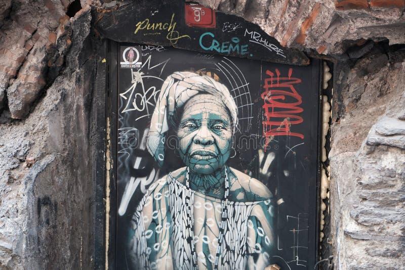 Arte da rua dos grafittis em Karakoy, Ä°stanbul Turquia imagens de stock royalty free