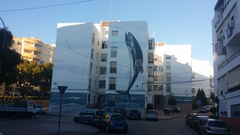 Arte da rua dos peixes em Estepona fotos de stock