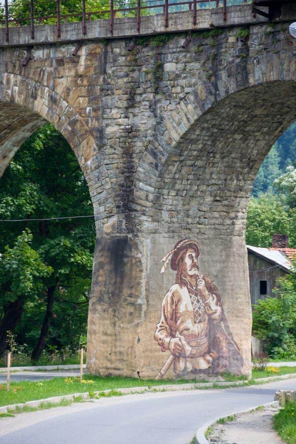 Arte da rua no pilão da ponte velha imagem de stock