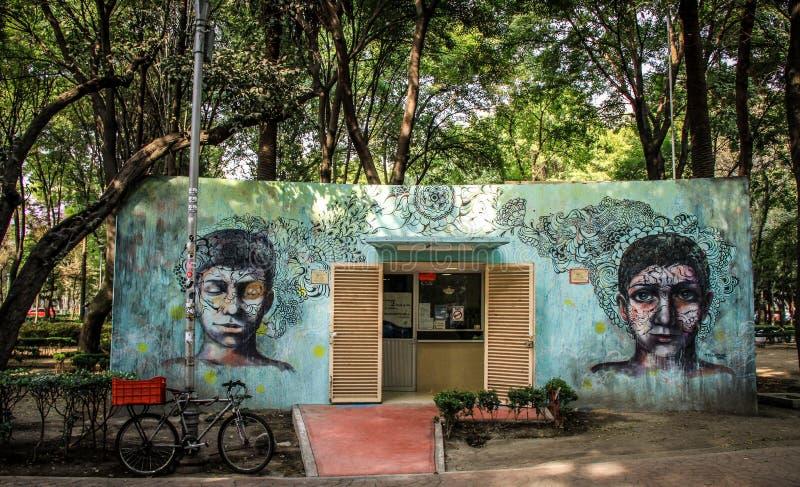 Arte de Grafiti en el La Condesa, Ciudad de México fotografía de archivo