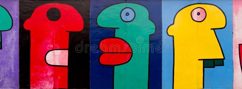 Arte de la calle de la galería de la zona este en la calle pública en Berlín imagen de archivo libre de regalías