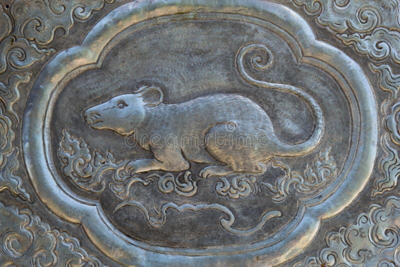 Arte de talla de plata del estilo tailandés en la pared del templo, Wat Srisuphan, Ch fotografía de archivo libre de regalías