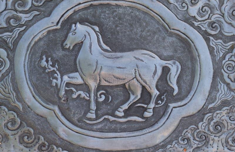 Arte de talla de plata del estilo tailandés en la pared del templo, Wat Srisuphan, Ch imagen de archivo libre de regalías