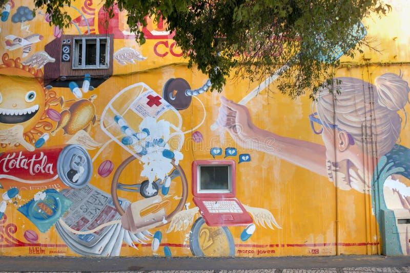 Arte dei graffiti sulla città di Portimao immagine stock