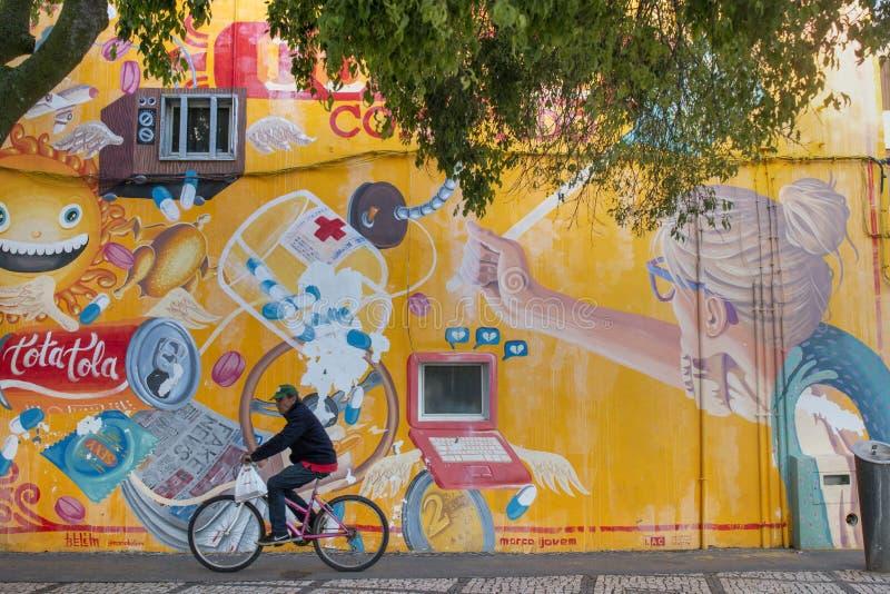 Arte dei graffiti sulla città di Portimao immagine stock libera da diritti