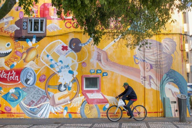 Arte dei graffiti sulla città di Portimao immagini stock