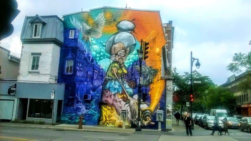 Arte della via su una facciata di una costruzione fotografie stock libere da diritti