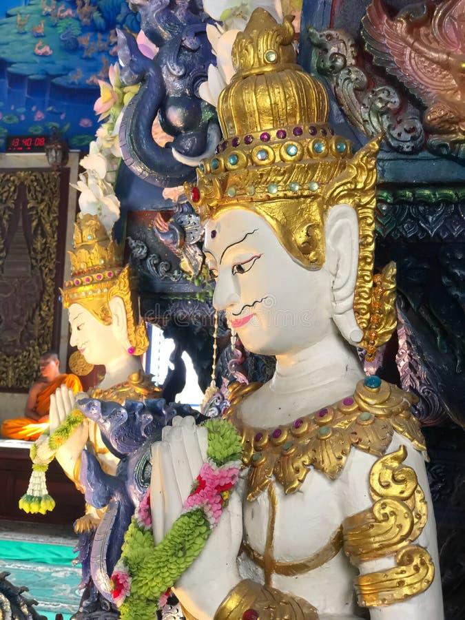 Arte dello stucco della dea in tempio di Rong Seur dieci a Chiang Rai, Tailandia fotografie stock