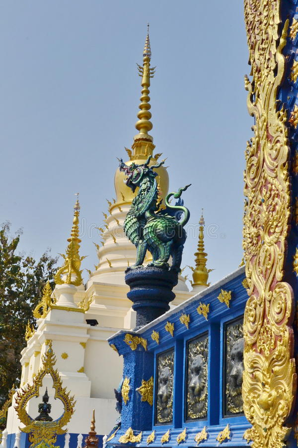 Arte do estuque em Wat Rong Sua Ten, Chiang Rai Province, Tailândia foto de stock royalty free