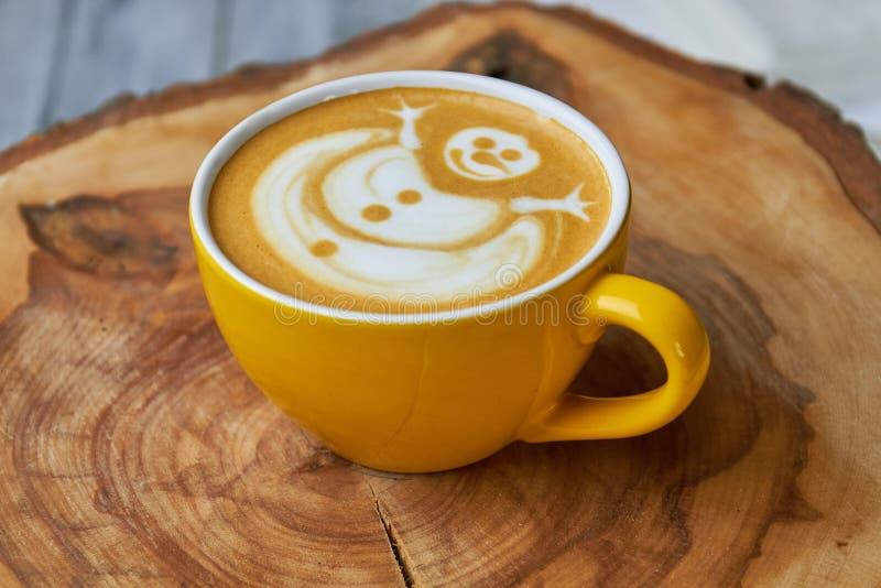 Arte do latte do boneco de neve imagens de stock royalty free