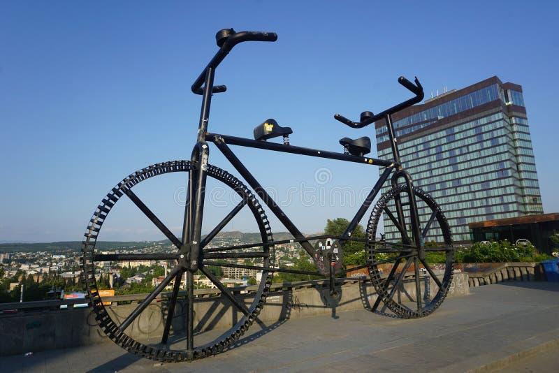 Arte enorme della città della bici di Tbilisi fotografie stock libere da diritti