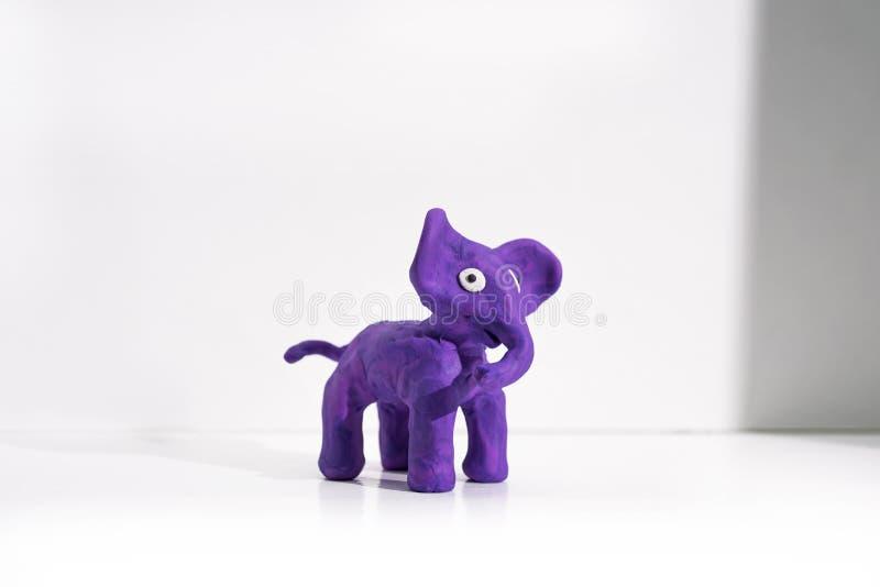 Arte finala da massa de modelar Elefante feito do plasticine fotografia de stock