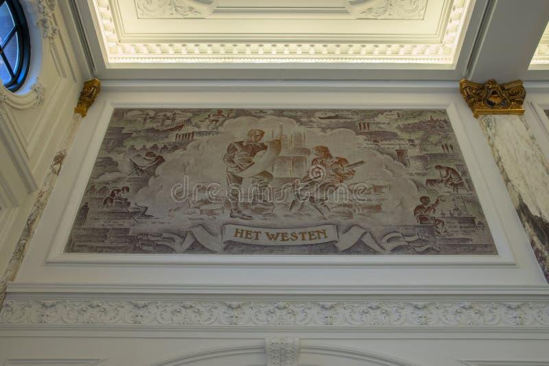 Arte finala dentro de KIT Building At Amsterdam The Países Baixos 2019 foto de stock royalty free