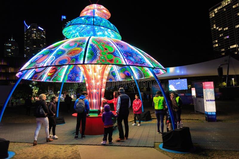 Arte finala iluminada no parque, 'festival de Sydney vívido ', Sydney, Austrália imagem de stock royalty free