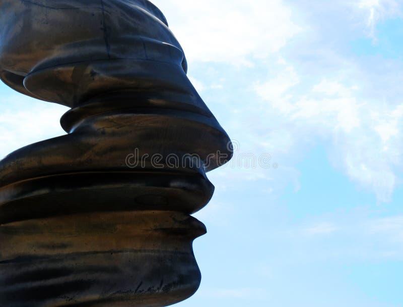 Arte finala que descreve uma cara no metal fotografia de stock