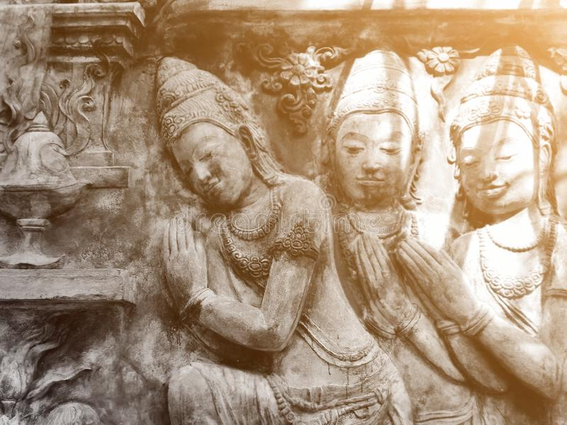 Arte hermoso, artes de la pared en los templos tailandeses imagenes de archivo