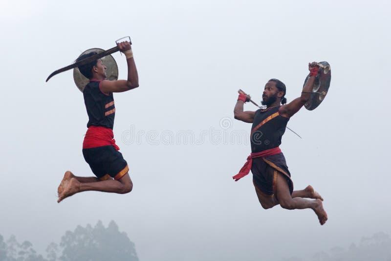 Arte marcial de Kalaripayattu em Kerala, Índia fotos de stock