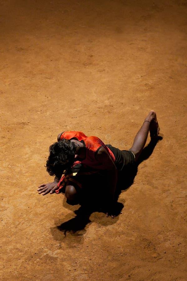 Arte marcial de Kalaripayattu en Kerala, la India del sur fotos de archivo libres de regalías