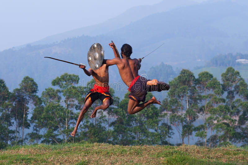 Arte marcial de Kalarippayattu em Kerala, Índia imagens de stock