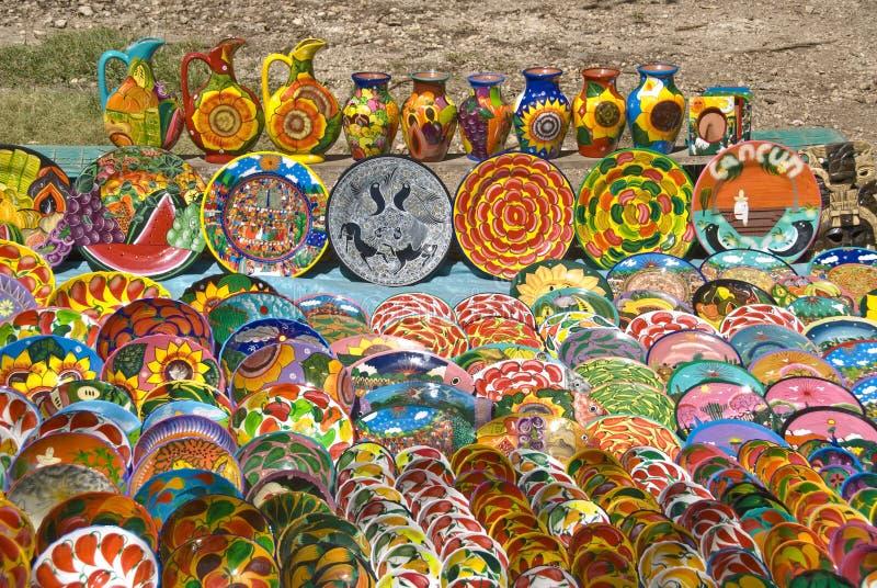 Arte mexicano colorido de la cerámica fotos de archivo
