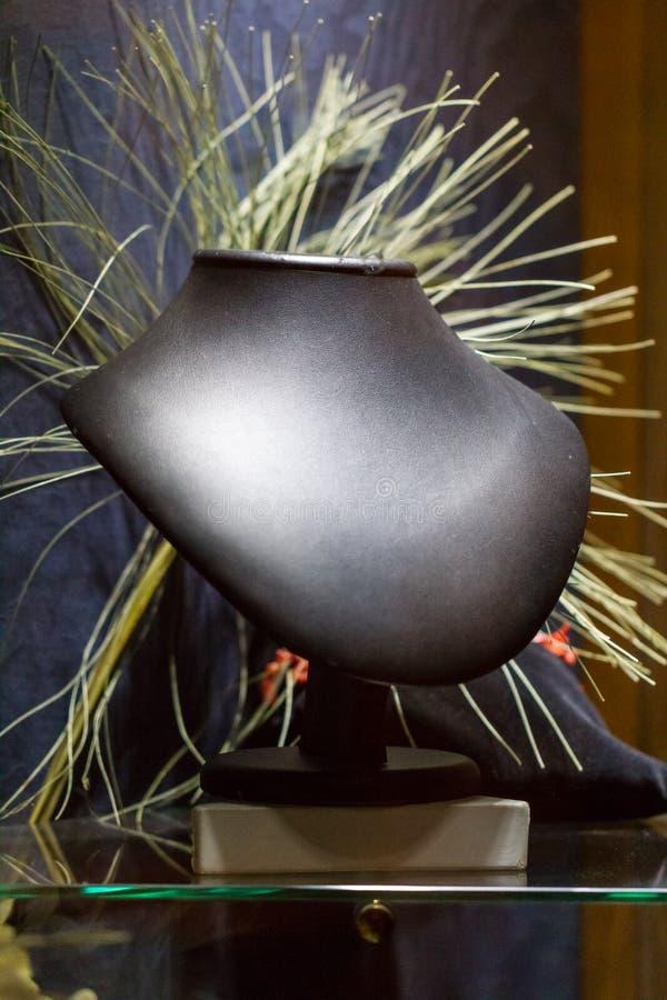 Download Arte Moderno Abstracto En Forma Del Busto Imagen de archivo - Imagen de extracto, concepto: 100527523
