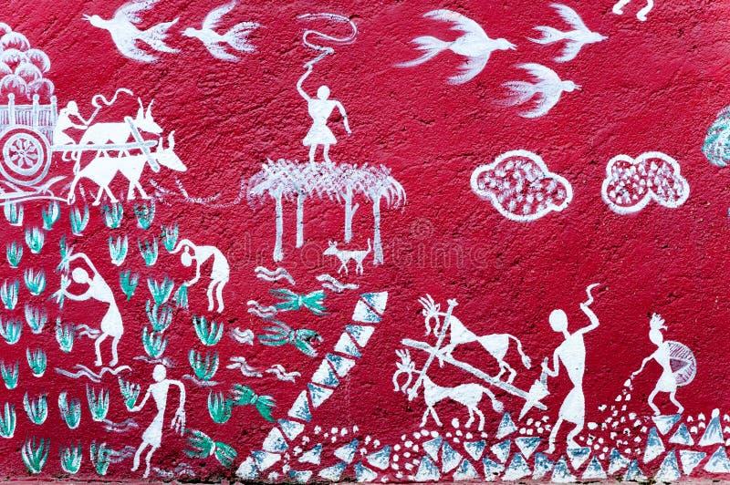 Arte pintada na parede de um templo de Warli dentro do ` s SGNP de Mumbai imagem de stock royalty free
