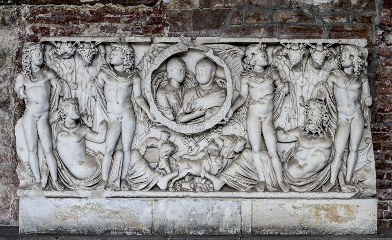 Artefacto de la tumba en Campo Santo (Pisa, campo de milagros) fotos de archivo libres de regalías
