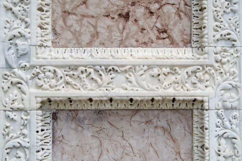 Artefacto de la tumba en Campo Santo (Pisa, campo de milagros) imágenes de archivo libres de regalías