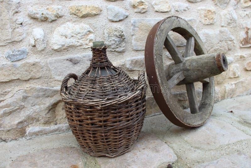 Artefactos del vino y del viaje imagen de archivo libre de regalías