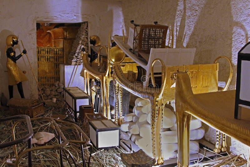 Artefactos egipcios de la tumba imagenes de archivo