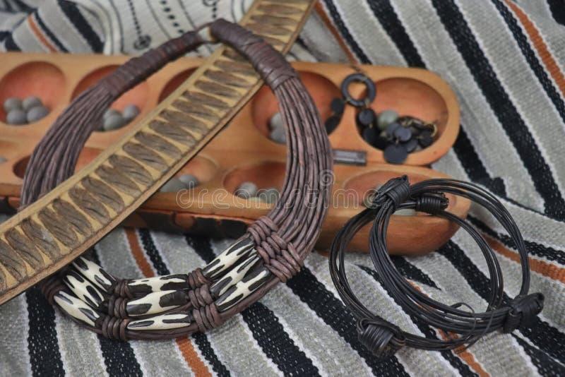 Artefactos y joyer?a africanos de Uganda y de Nigeria fotos de archivo libres de regalías