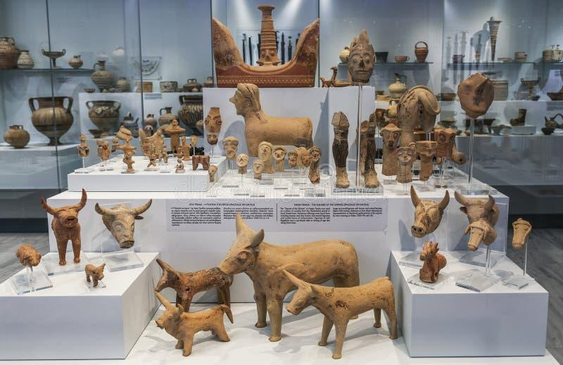 Artefacts grundar under arkeologiska utgrävningar i Agia Triada, en Minoan bosättning i Grekland i söderna av Kreta arkivbilder