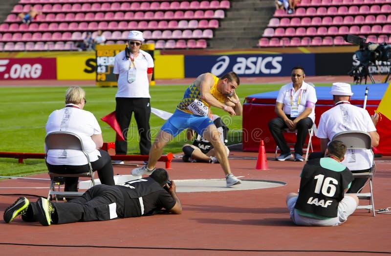 ARTEM LEVCHENKO von Ukraine auf den Kugelstoßen an den Meisterschaften IAAF-Weltu20 in Tampere, Finnland am 10. Juli 2018 lizenzfreies stockbild