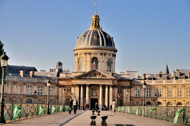Artes do DES de Pont e Bibliothèque Mazarine, Paris imagens de stock