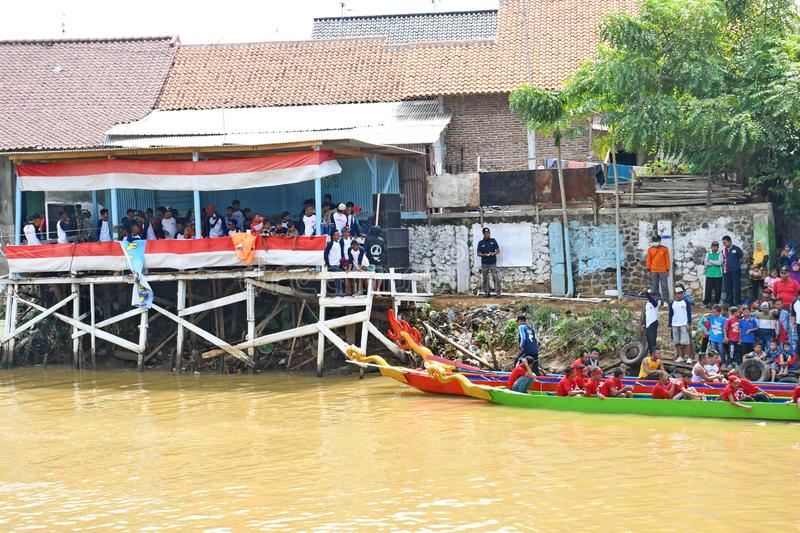 Artes e parada Javanese da cultura em Batang fotos de stock