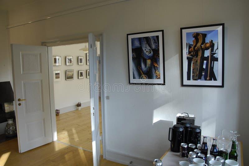 ARTES EXHIBTION DEL GRUPO DE LOS ARTES DE GUUEN imagenes de archivo