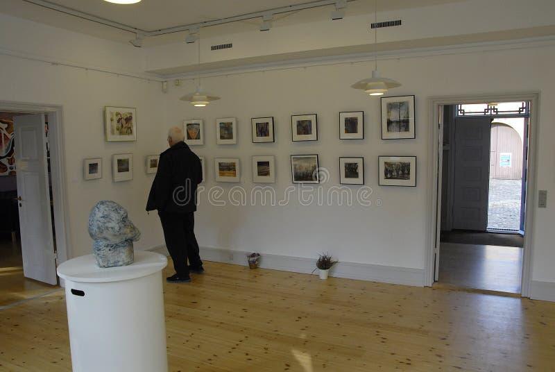 ARTES EXHIBTION DEL GRUPO DE LOS ARTES DE GUUEN fotos de archivo