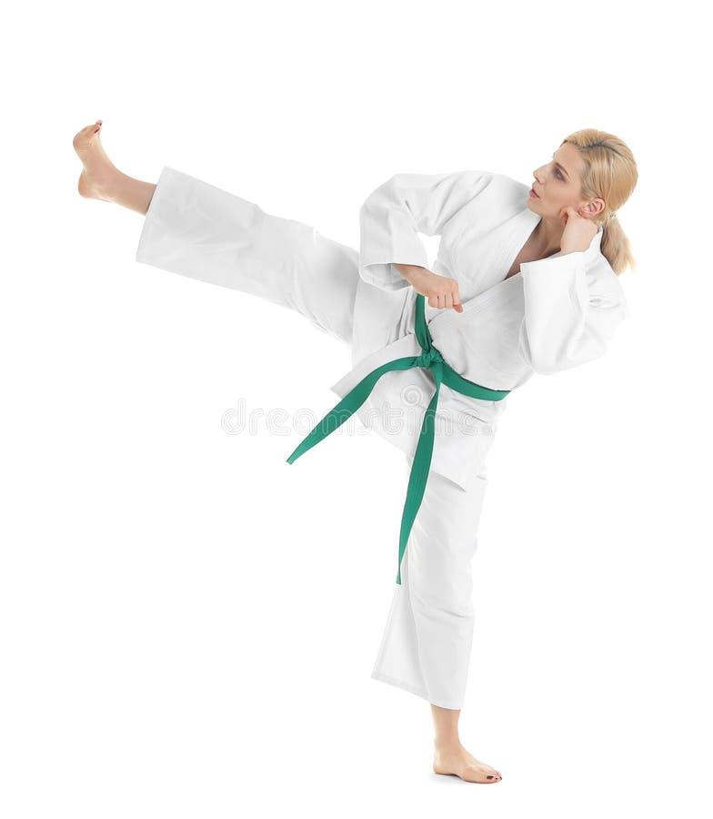 Artes marciais praticando da mulher desportiva nova fotos de stock