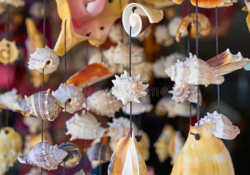 artesanía móvil del carillón de viento de la concha marina imagen de archivo libre de regalías