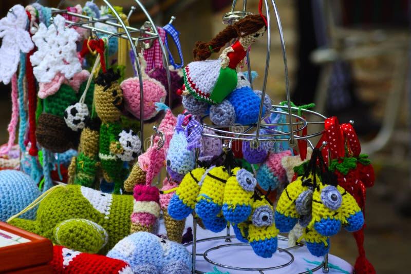 Artesanías del día de fiesta en el banquete en el pueblo foto de archivo
