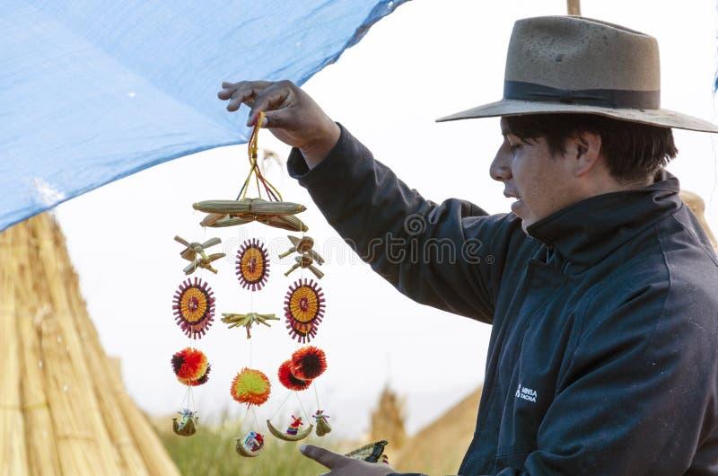 Artesanato da ilha de Uros imagens de stock royalty free